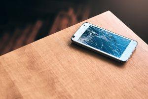 hobi shattered iPhone display